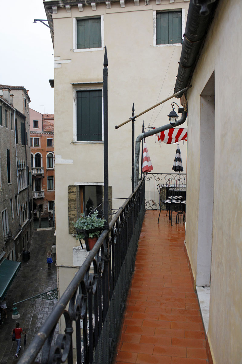 Our 379 Sqft Studio In Venice Intentionally Small