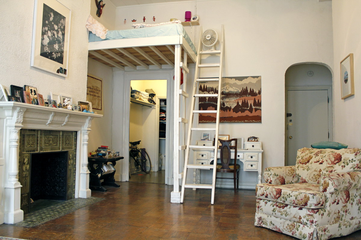 holly s 495 sqft airbnb baltimore studio intentionally small