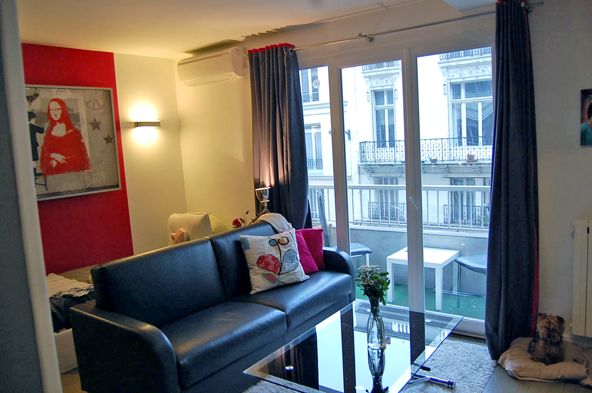 Joel and jessica s 265 sqft studio in paris for Studio apartment square footage