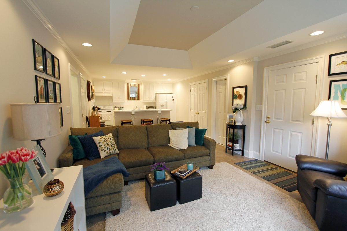 Katherine and Brents 960 sqft Accessory Apartment 02