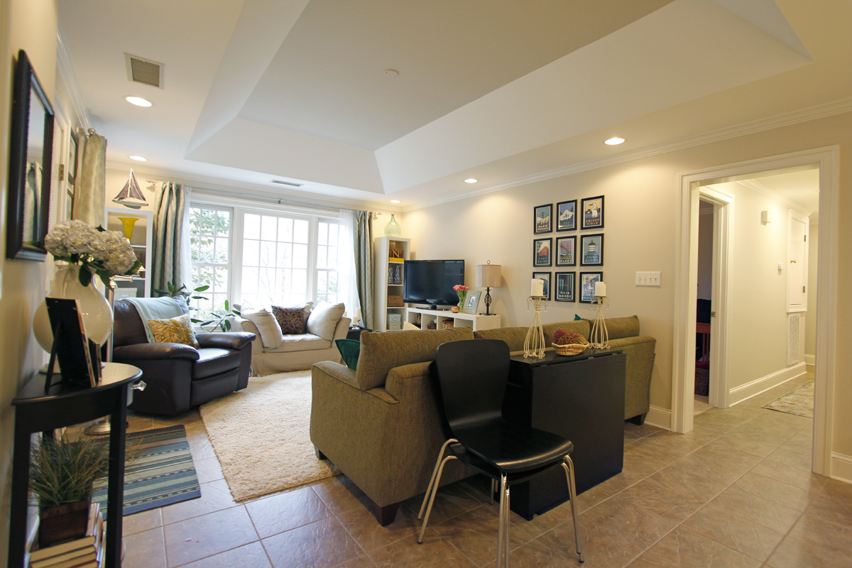 Katherine and Brents 960 sqft Accessory Apartment 09