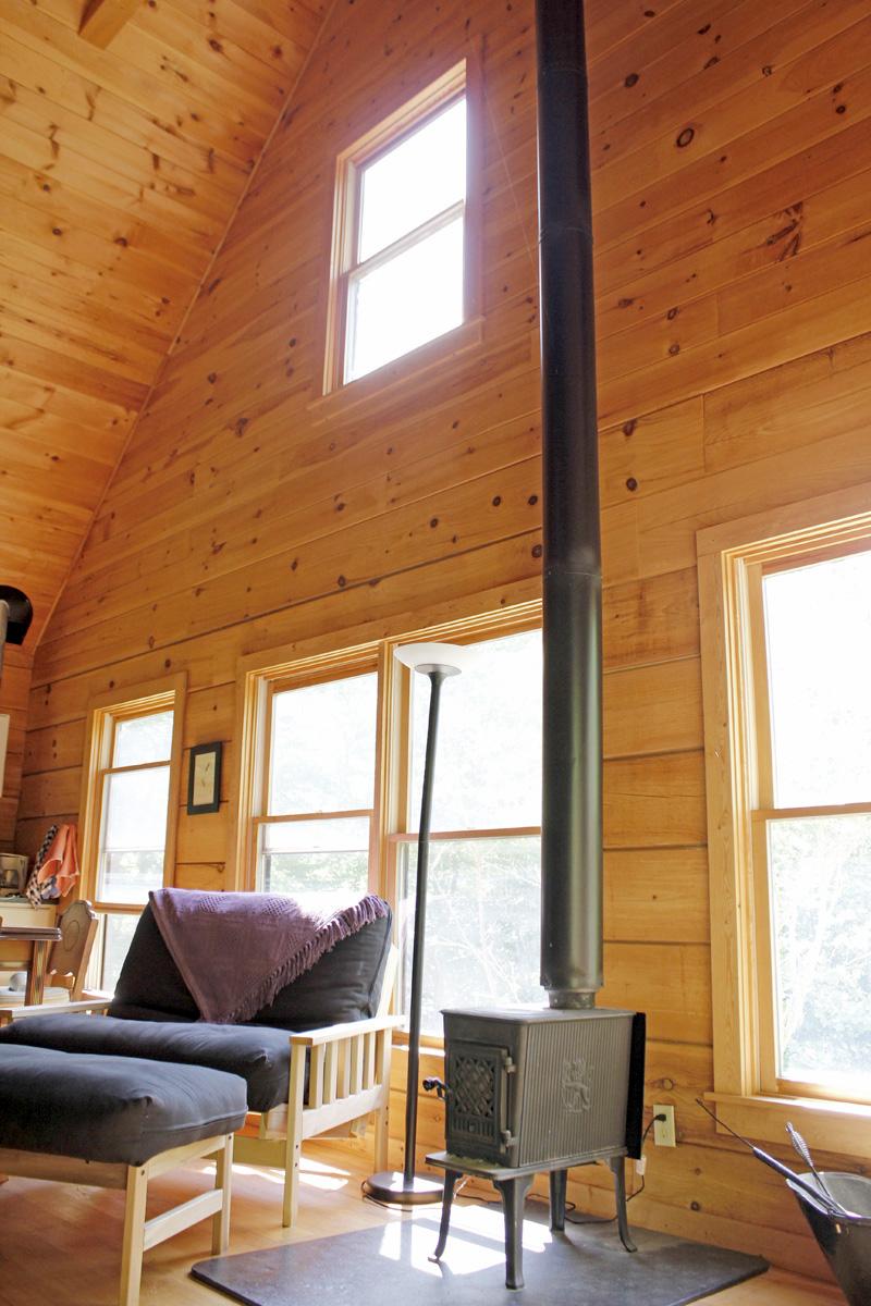 830 sqft Cabin in the Woods 05