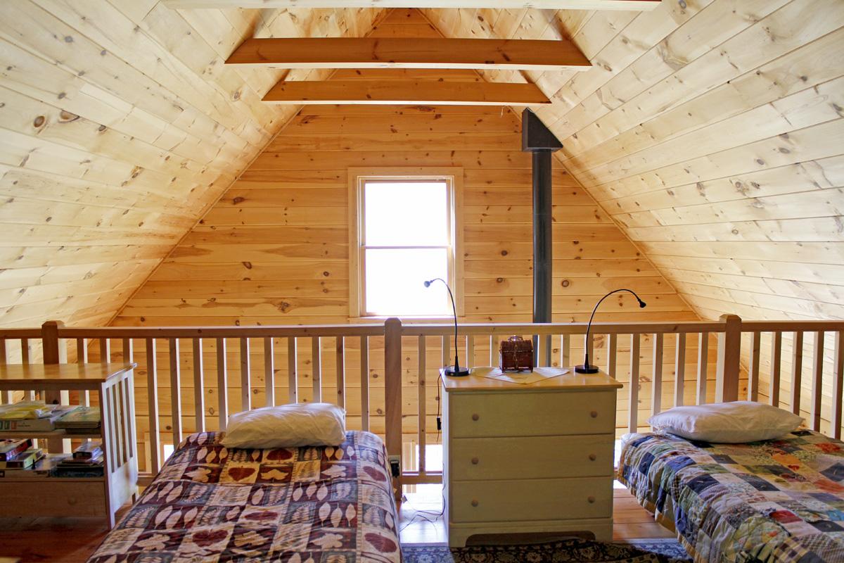 830 sqft Cabin in the Woods 10