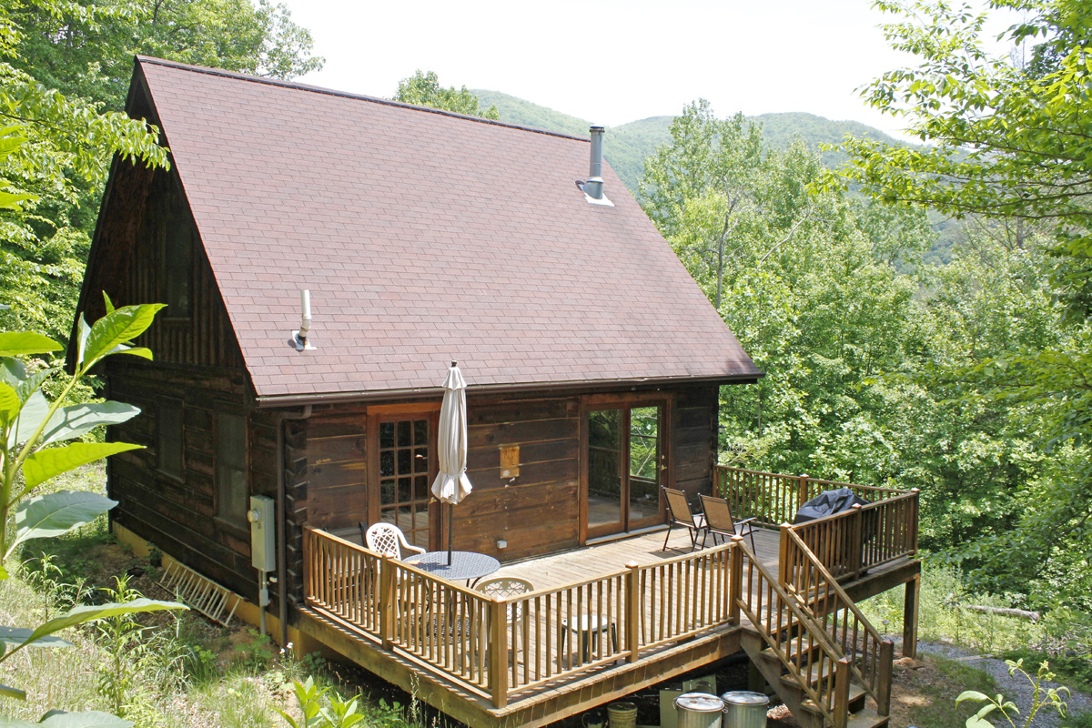 830 sqft Cabin in the Woods 13