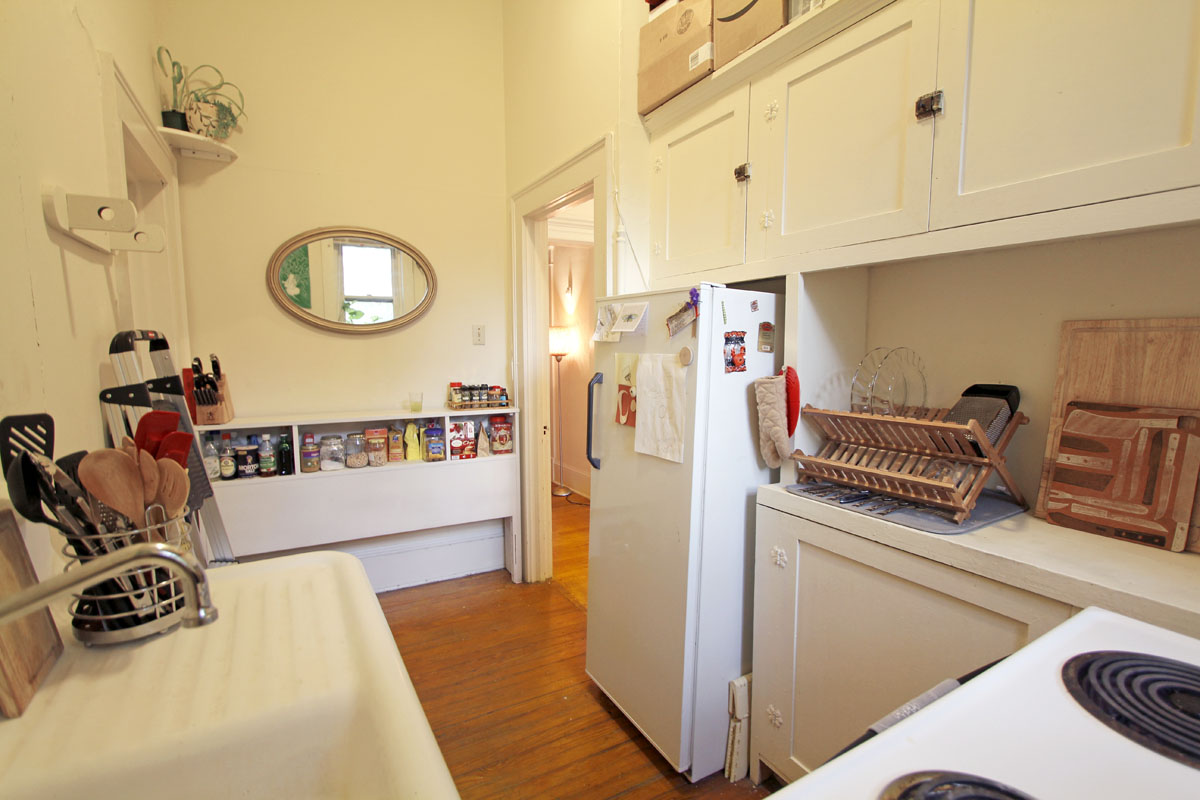 Jenny and farzad s 350 sqft historic boylan studio apt intentionally small - Living in small spaces ideas photos ...