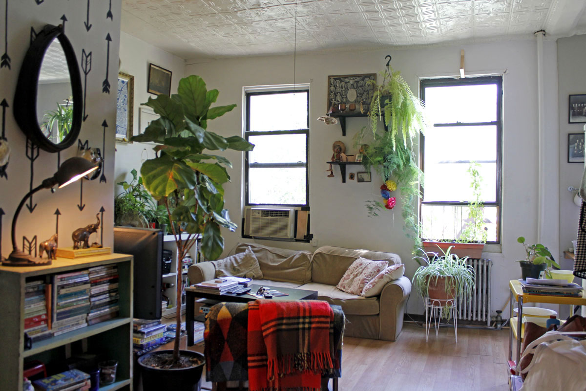 Margaret and brandon s 485 sqft brooklyn apt intentionally small 5 bedroom apartment brooklyn